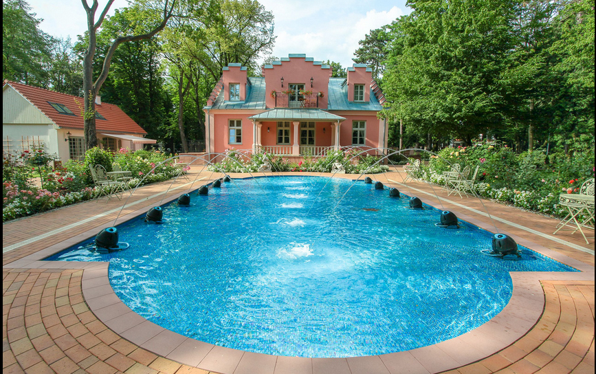 How To Build Your Own Sunken Swimming Pool And Be The Envy